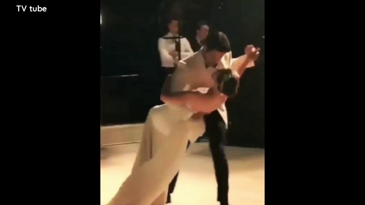 7 aylık hamile Azra Akın böyle dans etti