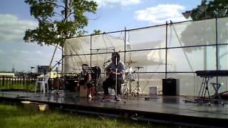 地元の音楽イベントに参加してきました。 今回、ジュキー、カホンデェビ...