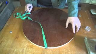 видео Круглый стол на одной ножке для маленькой кухни