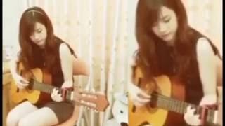 Guitar Âm thầm bên em - Gái xinh cover âm thầm bên em