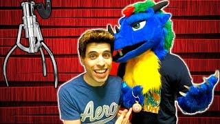 Claw Machine Challenge - Me VS a Furry!! | Matt3756