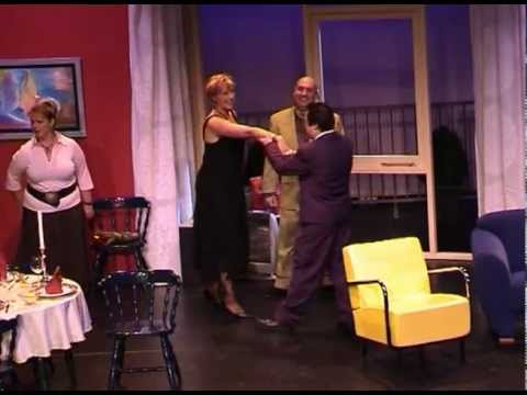 AT speelt een vreemdstel (the Odd Couple)