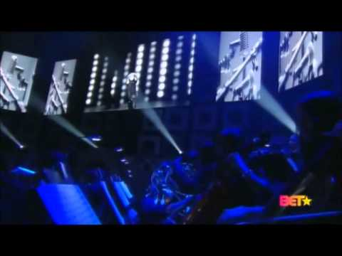 R. Kelly - When A Woman Loves Medley (Live @ Soul Train Awards)
