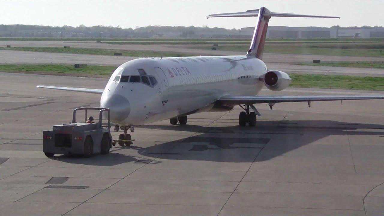 Delta Airlines Dc 9 51 Push Back Amp Jt8d 17 Engine Start Up