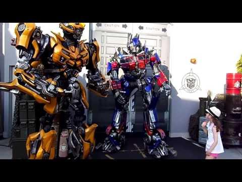 Interactive Talking Optimus Prime, Bumblebee Together HD  (Universal Studios Hollywood)