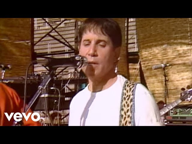 Paul Simon - Diamonds On The Soles Of Her Shoes (from The African Concert, 1987)