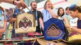 Татарстанские кожевенники показали мастер класс в городском пресс центре города Казани