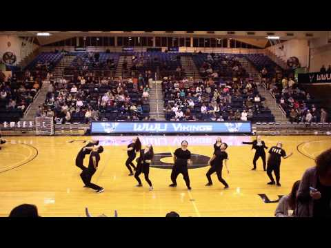 Sini-GANG @ WWU vs SFU Men's Basketball Halftime Show ...