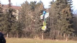 Полет модели самолета фристайл