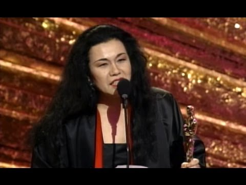 Bram Stoker's Dracula Wins Costume Design: 1993 Oscars
