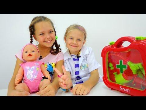 Игры для девочек: Уход за детьми. Кукла BABY BORN, Ксюша и Настя. Идем к врачу - Играем в Доктора