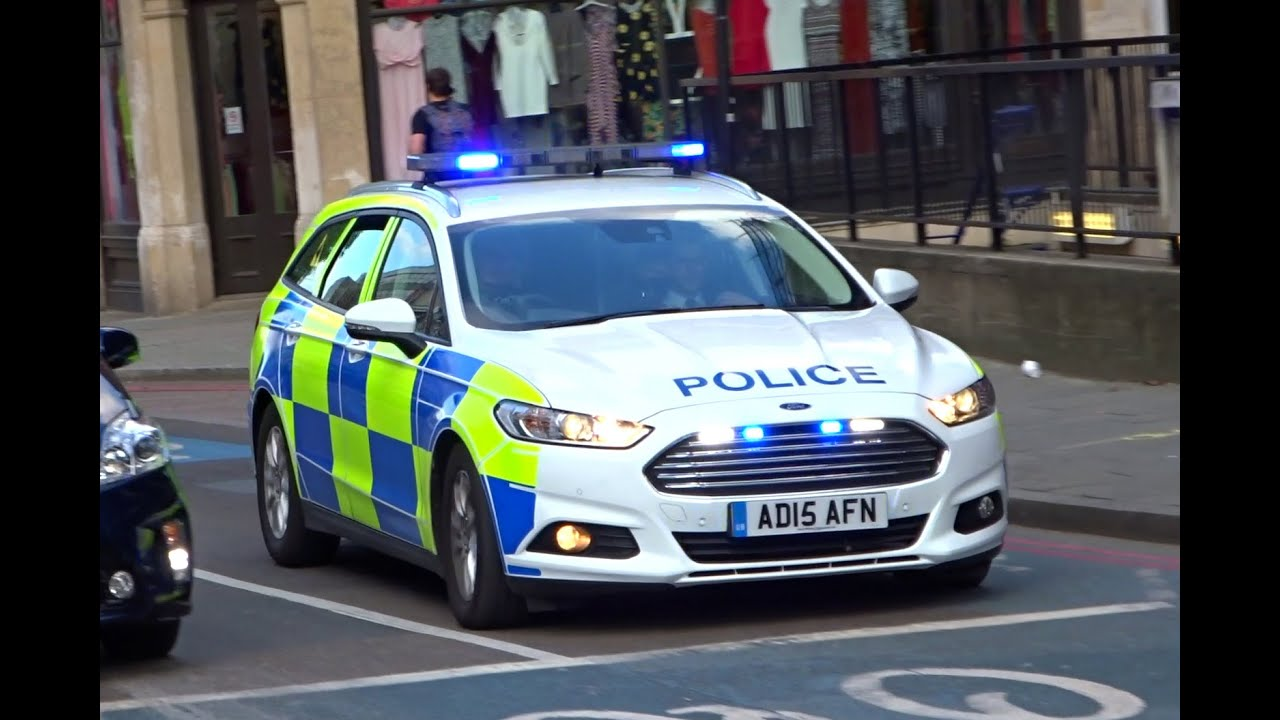 london police dog unit responding - new mondeo