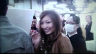 『TV・魔法のレストラン』のロケ、京都中央卸売市場にて。 隣に居るのは...