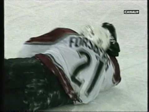 Maltby hits Forsberg, Forsberg smacks Maltby.