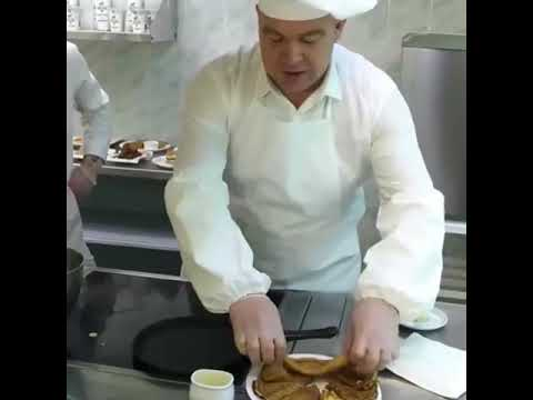 Мастер – класс по выпечке блинов продемонстрировал глава Невинномысска