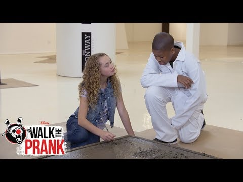 Art Gallery | Walk the Prank | Disney XD