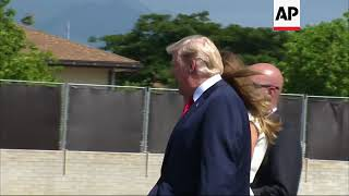 Trump arrives in Hawaii, meets PACOM commander
