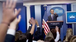 Obama surprises student journalists at briefing