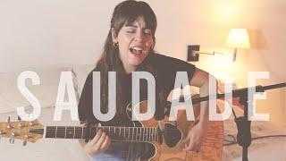 Play Saudade (Versión Acústica)