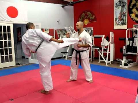 Aska American Shotokan Karate Academy S Shihan Teaches In