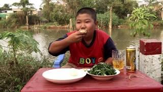 Thử thách thánh ăn đầu trọc nhí ăn 15 quả trứng vịt lộn | Ánh Dương Cuộc Sống Miên Tây