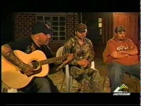 "Aaron Lewis (Staind) on  Outdoor Channel's ""Bone Collector"""