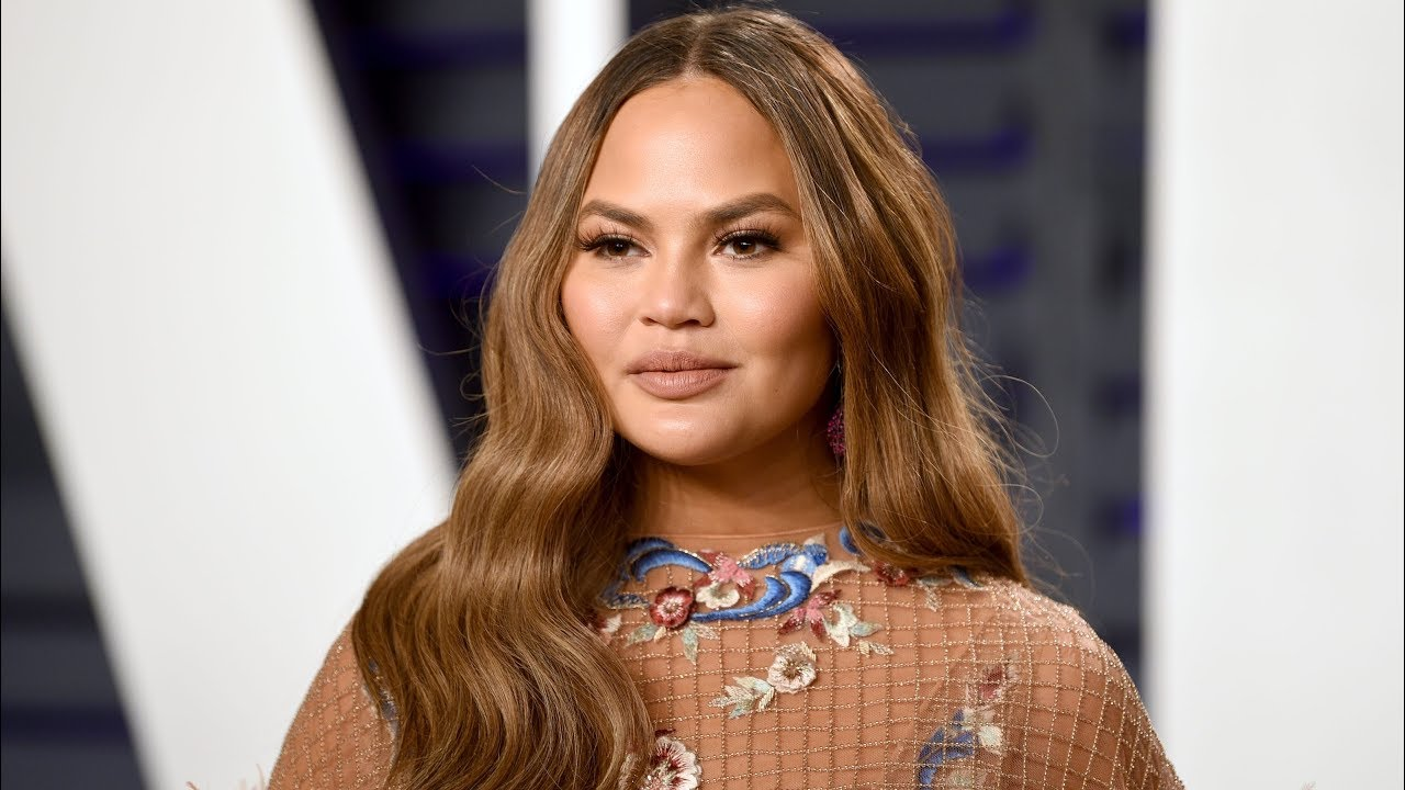 Chrissy Teigen doubles down, makes her pledge $200K to bail out ...