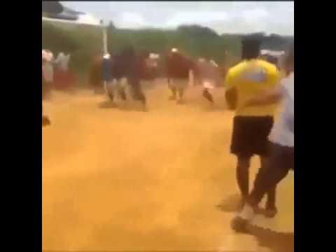 """Final de uma pelada """"jogo de futebol""""."""