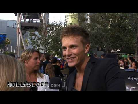 Charlie Bewley on Favorite  in 'Ese'  'The Twilight Saga: Ese' Premiere