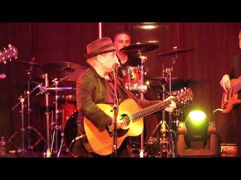 Paul Simon and Bernie williams Live concert