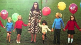 Watch Nana Mouskouri Berceuse video
