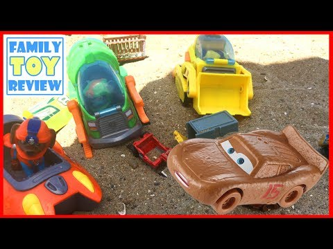 Cars 3 Toys SAVED BY Paw Patrol Sea Patrol Toys Miss Fritter Lightning McQueen Playing at the Beach