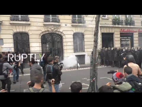 LIVE: Trade unions hold protest demanding annulment of labour law in Paris