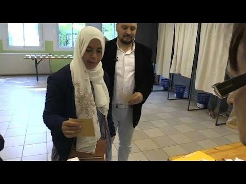 مسلمو فرنسا يدلون بأصواتهم في الانتخابات الرئاسية  - نشر قبل 15 دقيقة