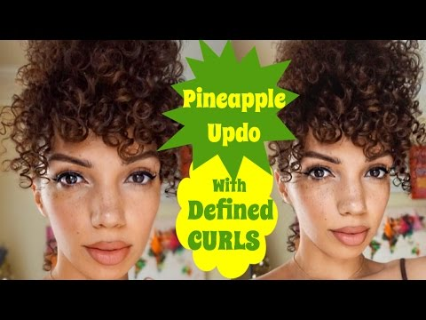 NATURAL HAIR PINEAPPLE UPDO WITH FRIZZ FREE CURLS