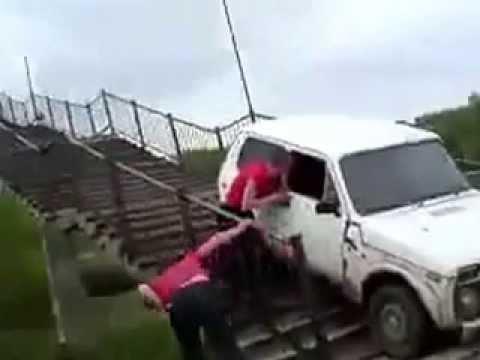 АВТО ПРИКОЛЫ видео смотреть онлайн, курьезы на дорогах