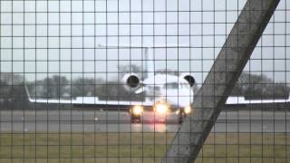 Download Video Private Learjet 45XR - G-OLDT -Landing on London Luton Airport MP3 3GP MP4
