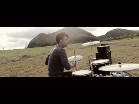 Mr.Penguin-Sempurna Bersamamu (Official Video Clip)