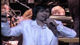 Sonu Nigam - Taaref Karun Kya Uski - An Evening In London