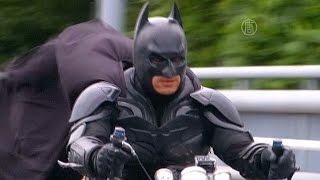 Японский Бэтмен колесит по городу (новости)