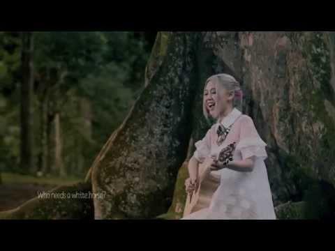 Eunice Hoo (何沛璇) -- Modern Fairy Tale MV