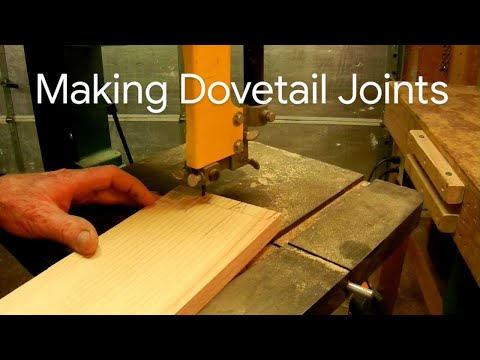 How to cut dovetail joints by hand funnydog tv for Leigh isoloc hybrid dovetail templates