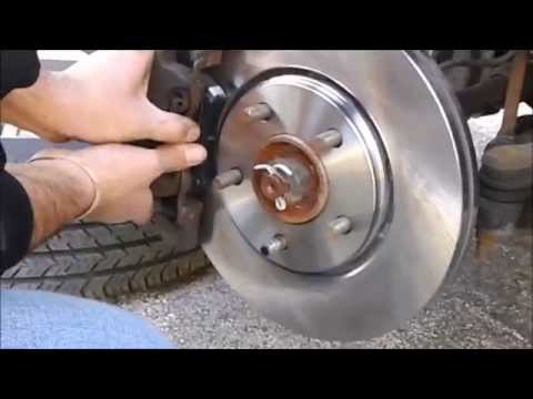 2006 TOWN AND COUNTRY FRONT BRAKE PADS AND ROTOR