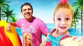 Nastya ve baba taklit için oyun üzerinde bu plaj