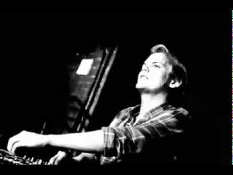 Avicii - Wake Me Up Unplugged Version