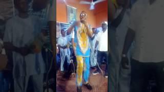 Alayo singer live performance