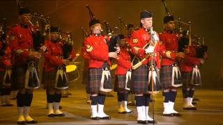 RCMP PIPES CORPS AT THE QUEBEC TATTOO 2012 - GRC CORPS DE CORNEMUSES