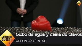 Baixar El complicado reto de Marron con un globo de agua y una cama de clavos - El Hormiguero 3.0