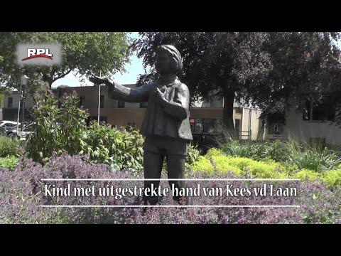 Kind met uitgestrekte hand - Beelden in Woerden - RPL TV Woerden - 2 juli 2018