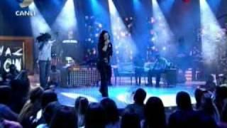 Şebnem Ferah Yağmurlar & Bu aşk Fazla Sana Canlı Performans Beyaz Şov 18 Nisan 2008